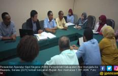Terkait Mutasi ASN, Bupati Alor Dilaporkan ke Bawaslu RI dan KASN - JPNN.com