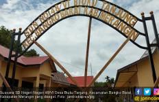 Sekolah Disegel Pemilik Lahan, Ratusan Siswa SDN 48 Merangin Terlantar - JPNN.com
