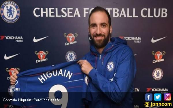 Gonzalo Higuain Pakai Jersey Nomor 9 di Chelsea - JPNN.com