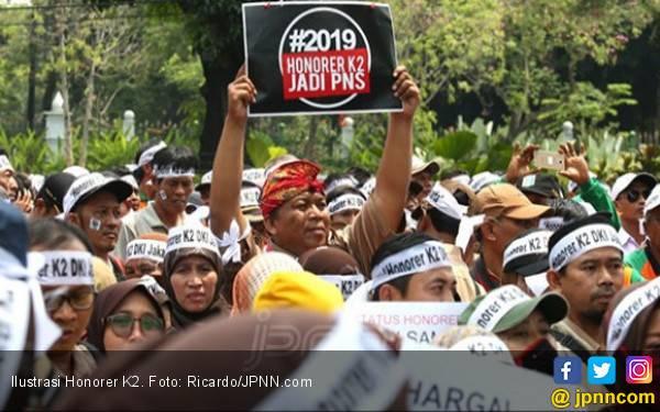 Jokowi Usung PPPK, tetapi Honorer K2 Tak Kompak Menangkan Prabowo - Sandiaga - JPNN.com