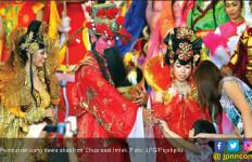 Uang Dewa Laris Manis Jelang Imlek - JPNN.com