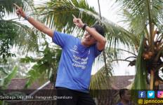 Salam Metal! Fan Jokowi Menyambut Sandi di Wonogiri - JPNN.com