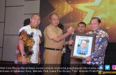 Pemimpin Inspiratif, Lomban Raih Penghargaan MP Awards 2019 - JPNN.com