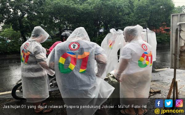 Kampanye Kreatif Relawan Jokowi di Musim Hujan - JPNN.com