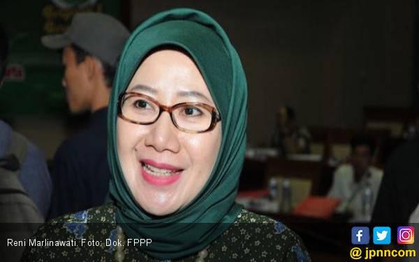 Politikus PPP Berharap Semua Sekolah Tiru Aturan Pesantren soal Gawai - JPNN.com