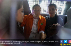 Di Hadapan Sopir dan Karyawan, Ratna Sarumpaet Menangis dan Kesakitan Habis Dipukul - JPNN.com