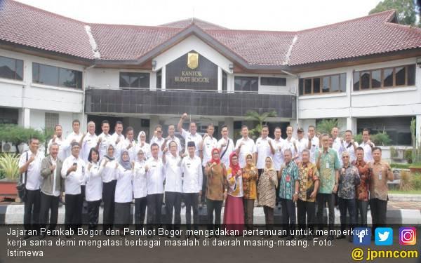 Atasi Masalah di Bogor, Ade Yasin dan Bima Arya Perkuat Kerja Sama - JPNN.com