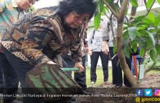 Menteri Siti : Jangan Remehkan Acara Tanam Pohon ! - JPNN.com