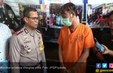 Ups..Pak Polisi Dobrak Pintu Hotel Saat Mbak Cantik Sedang Layani Pelanggan - JPNN.com