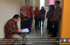 Pegawai Mangkir Kerja Lima Bulan, Wabup: Hentikan Gajinya! - JPNN.com