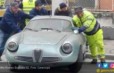 Gila! Mobil Klasik Mogok Selama 35 Tahun Masih Laku Rp 9 Miliar - JPNN.com