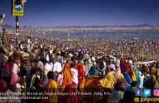 Jutaan Warga India Cuci Dosa di Sungai Suci - JPNN.com