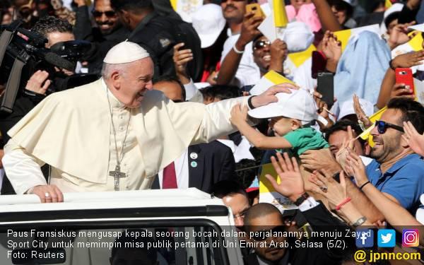Paus Fransiskus Pimpin Misa Publik Pertama di Uni Emirat Arab - JPNN.com