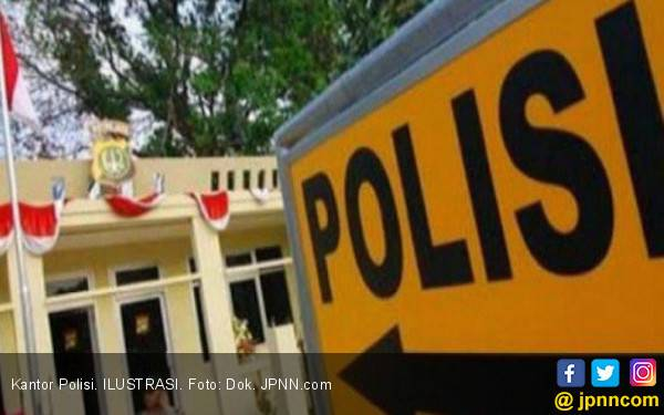 Ketika Kartini Berdiri Ada Kunci Jatuh, Oh Ternyata - JPNN.com