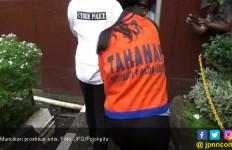 Polisi Antar Muncikari Vanessa Angel Pulang ke Rumah - JPNN.com
