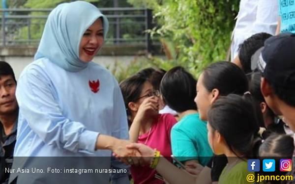 Nur Asia: Bang Sandi Mulai Pulih, Kencangkan Doa, Ketuk Pintu Langit - JPNN.com