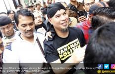 Delapan Orang jadi Penjamin Ahmad Dhani Untuk Penangguhan Penahanan - JPNN.com