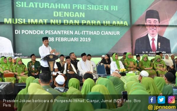 Di Pesantren, Jokowi Bicara Bahaya Perang Saudara - JPNN.com