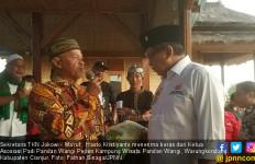 Puas dengan Kebijakan Jokowi, Petani Pandan Wangi Berikan Beras - JPNN.com