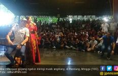 Marc Marquez Goyang Ngebor Diiringi Musik Angklung - JPNN.com