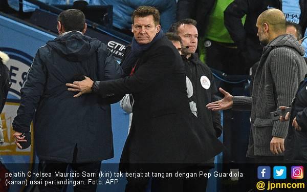 City 6-0 Chelsea: Lihat, Sarri Tak Mau Salaman dengan Guardiola - JPNN.com