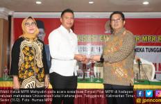 Wakil Ketua MPR Ajak Mahasiswa Perangi Hoaks - JPNN.com