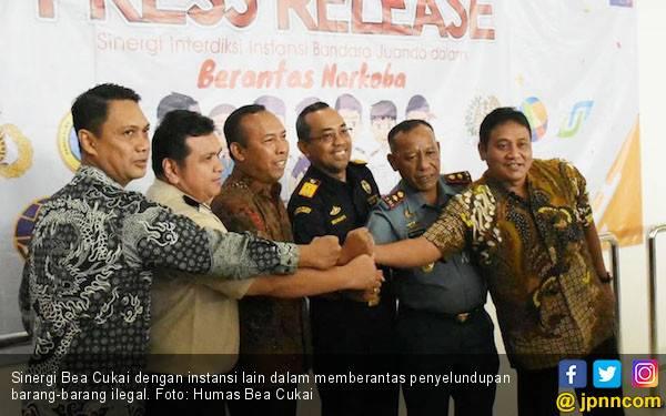 Bea Cukai Berhasil Amankan Wilayah Indonesia dari Barang-barang Ilegal - JPNN.com