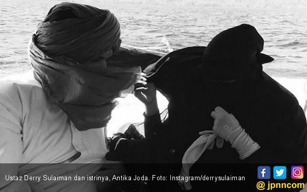 Istri Ustaz Derry Sulaiman Dianiaya, Begini Kronologisnya - JPNN.com