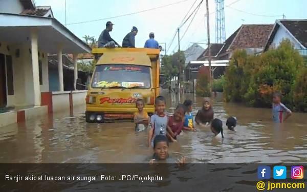 Sungai Meluap, Ribuan Rumah Terendam Banjir Lagi - JPNN.com