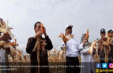Banjir Jagung 50 Ribu Hektar di Tuban, Mentan : I Love You Full Petani - JPNN.com