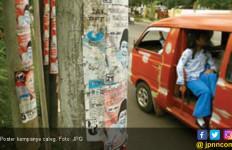 Petugas Capek Copot Atribut Kampanye Bermasalah, Malamnya Dipasang Lagi - JPNN.com