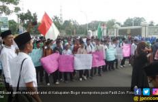 Puisi Fadli Zon Bikin Ribuan Santri Pindah Dukung Jokowi - JPNN.com