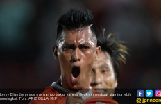 Bintang Borneo FC Lerby Eliandry Sedang Bahagia Banget - JPNN.com