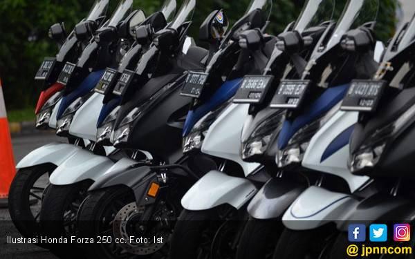 Pemesan Honda Forza dan Super Cub di Indonesia Harus Bersabar - JPNN.com