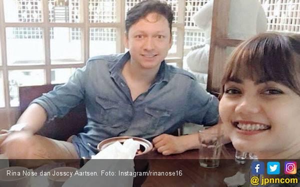 Setelah Bertunangan, Rina Nose Akhirnya Pamer Wajah Kekasih - JPNN.com