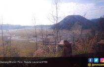 Angin Kencang Menakutkan Hancurkan Rumah Warga di Lereng Gunung Bromo - JPNN.com