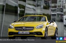 Warna Kuning Jadi Pesan Kuat Mercedes AMG SLC Final Edition - JPNN.com