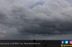 Waspada, Masih Ada Potensi Hujan Lebat, Petir, dan Angin Kencang - JPNN.com