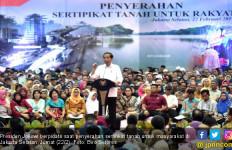 Jokowi Targetkan Tanah se-Indonesia Bersertifikat pada 2025 - JPNN.com