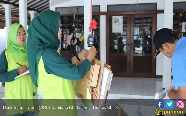 Bank Sampah Milik KLHK Hasilkan Rp 12 juta dalam 10 Bulan - JPNN.com