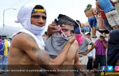 Polisi Tembak Puluhan Demonstran Pro-Oposisi, Maduro Umumkan Kemenangan - JPNN.com