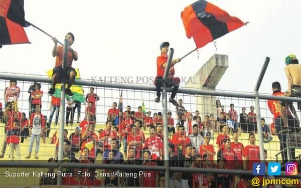 Suporter Nilai Strategi Pelatih Kalteng Putra Masih Lemah - JPNN.com