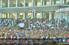Jokowi Jalan Santai Bersama Rakyat Sultra - JPNN.com