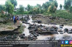 Jalan Penghubung Lima Desa di Kerinci Putus Diterjang Banjir - JPNN.com