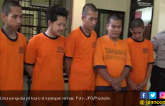 Ini Lima Pemuda Sontoloyo yang Jual Pil Koplo pada Pelajar - JPNN.com