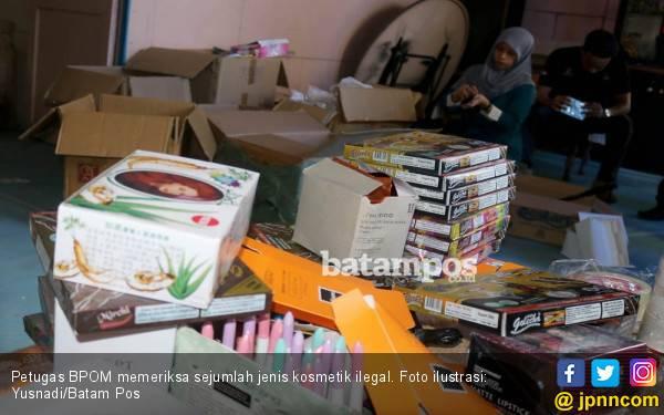 Pemilik Gudang Kosmetik Ilegal Ini Terancam Dihukum 15 Tahun Penjara - JPNN.com