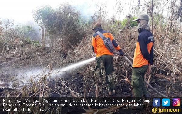 Menjaga Benteng Terakhir Jilatan Kepala Api - JPNN.com