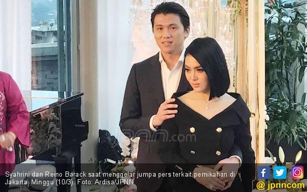 Kaki Incess Syahrini Ketiban Lemari, Mau Ikut Mendoakan? - JPNN.com