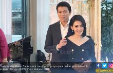 Ulang Tahun Pernikahan, Syahrini dan Reino Barack Berbalas Ucapan Romantis - JPNN.com