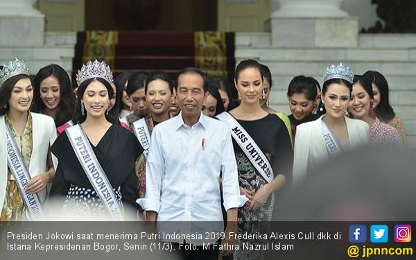 Putri Indonesia 2019 Happy Bertemu Jokowi - JPNN.com